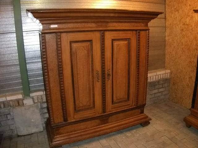 Antieke meubelstukken