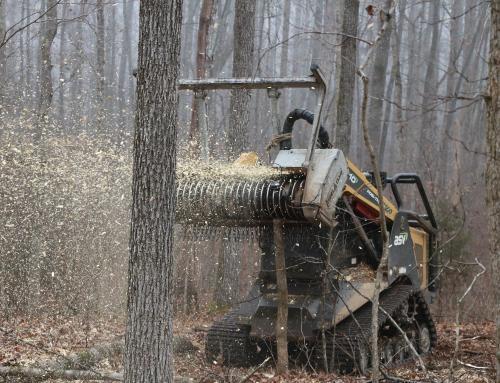 Hakselaars om gewassen te versnijden en hout te versnipperen